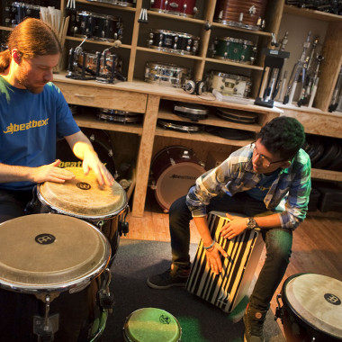 Semesterkurs Percussion – Cajon, Congas, Djembe | Erwachsene